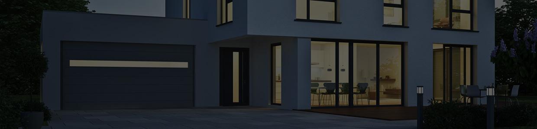 Modernes Haus abends